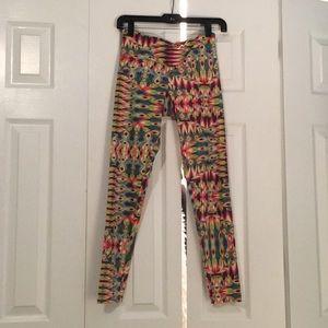 Onzie rainbow pattern leggings sz xs 56863